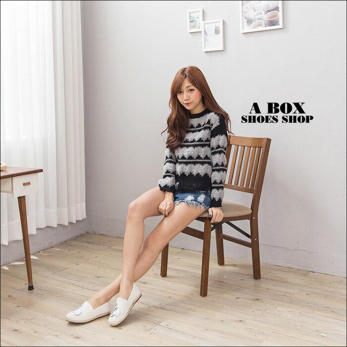 格子舖*【AAB111】MIT台灣製 時尚休閒數字亮片設計 皮革拼接繩索編織 V口懶人鞋 3色 1