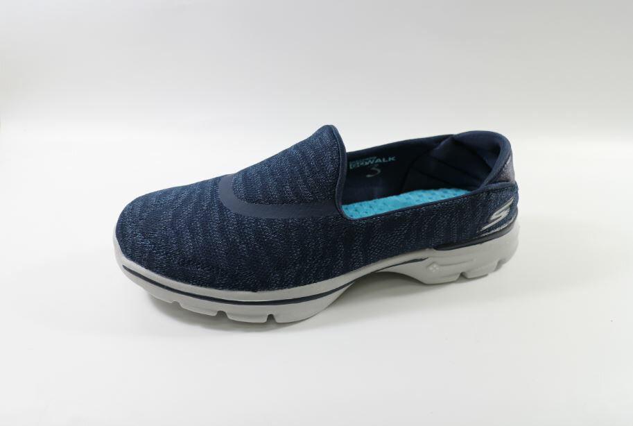 SKECHERS 美國第一大休閒鞋