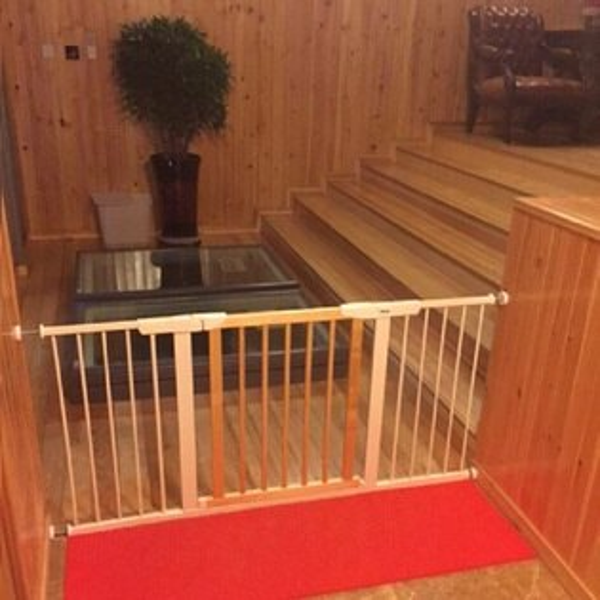 實木安全門欄 嬰兒圍欄 實木柵欄 樓梯防護欄 寵物圍欄 自動回扣 雙向開啟