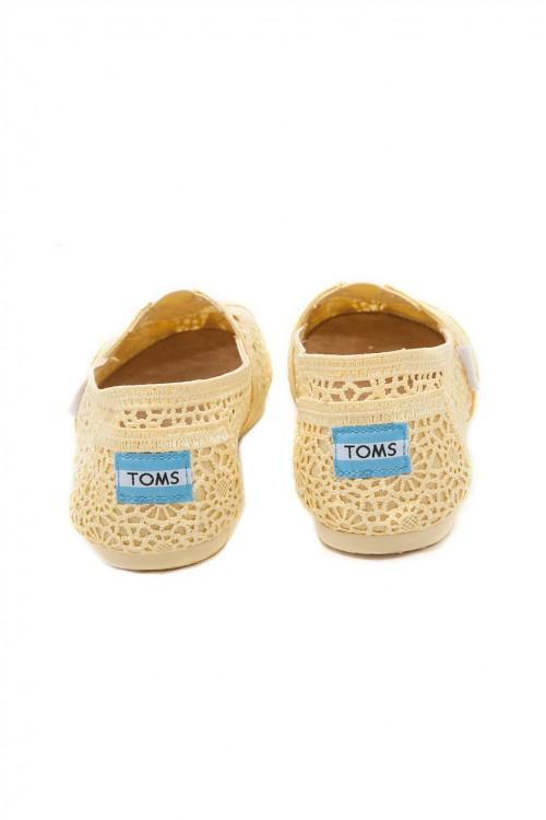 【TOMS】淡黃色蕾絲鏤空繡花平底休閒鞋  Lemon Crochet Women's Classics 4
