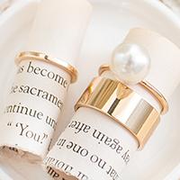 蒙娜印象寬版金屬鑲光澤珍珠戒指組^(三件組^) ~R1411028~