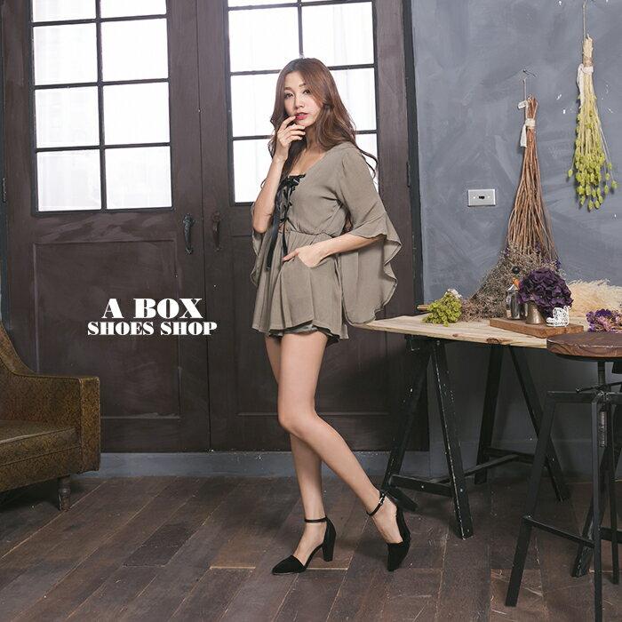 格子舖*【KT7368】MIT台灣製 麂皮拼接皮革 金屬扣帶 瑪莉珍款 7.5CM粗高跟鞋 尖頭包鞋 2色 1