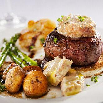 紐西蘭頂級菲力牛排250g、 大理石紋脂肪較少,油含量低 牛肉口感實在而隨著油花入口即化 只需香煎就可以美味上桌囉!★優食網