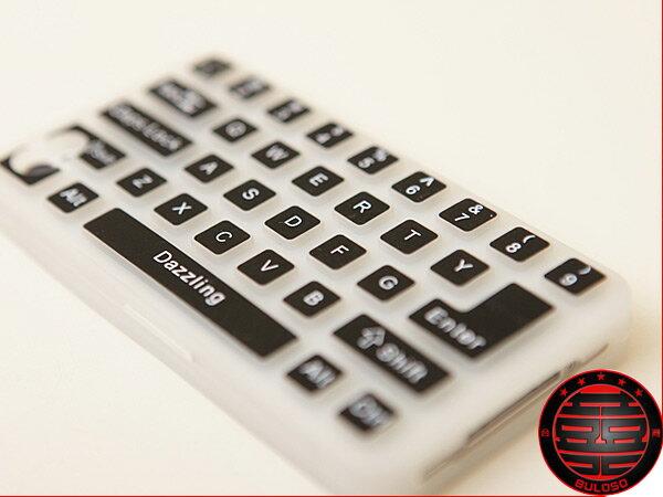 《不囉唆》9色鍵盤IPHONE 4專用矽膠背蓋 鍵盤造型保護套(不挑色/款)【Y221214】