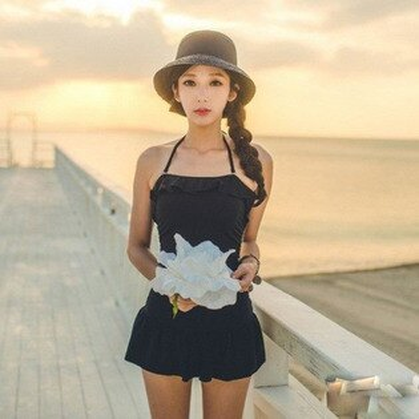PS Mall 黑色氣質赫本韓版連身 裙式 荷葉邊 甜美束腰比基尼泳衣游泳衣溫泉沙灘BIKINI【ET156】
