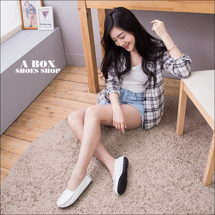 格子舖*【ANW2317】MIT台灣製 摩登車縫線設計 素面透氣皮革 豆豆鞋 懶人鞋 2色 1