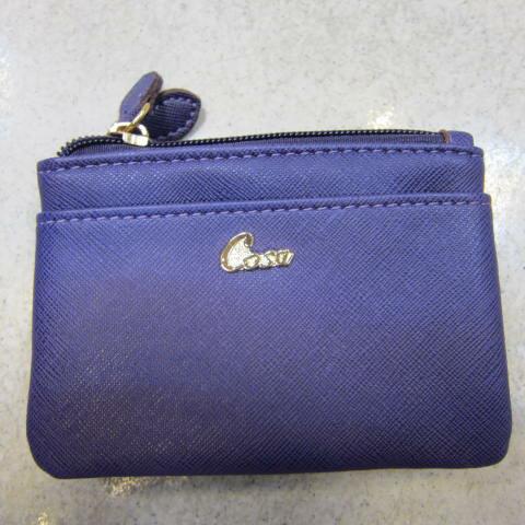 ~雪黛屋~Cosa 零錢包中型容量可放信用卡三層主袋進口防水防刮皮革零錢鑰匙證件男女皆適用CU136-12271深紫