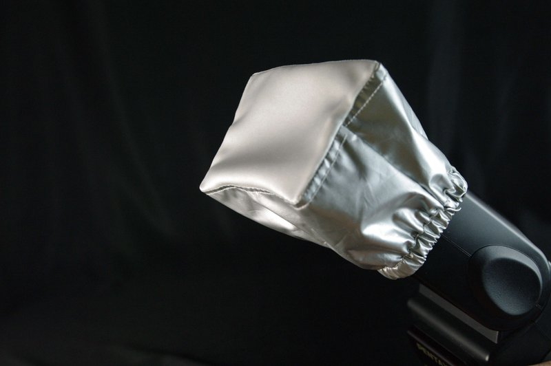 又敗家~ 型絲光布機頂閃光燈柔光罩^(亦適內閃^)機頂閃燈柔光罩外閃柔光罩適CANON 5