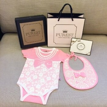 PUREST baby collection 【衣漾兜粉美】粉紅小貴婦禮盒組 (短袖包屁衣+圍兜) 0