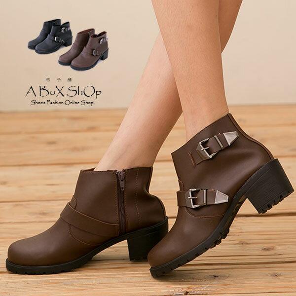 格子舖*【KTPW9365】MIT台灣製 英倫簡約 金屬拉扣環 拉鍊粗跟短靴 工程靴 兩色 0