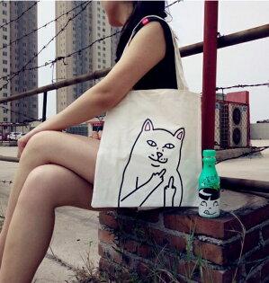 50%OFF【R019513B】RIPNDIP豎中指的口袋賤貓咪情侶文藝單肩斜挎手提帆布袋包包黑白