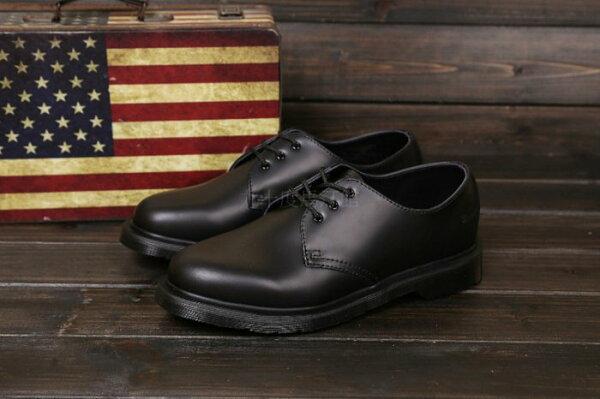 【九十度馬丁管】【兩日到貨】【免運】【3孔全黑】Dr. Martens馬丁馬汀靴子