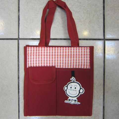 ~雪黛屋~豆豆猴 提袋大容量餐袋小容量才藝袋手提袋簡單袋上學書包以外放置教具品雨衣傘便當袋台灣製造#3608紅