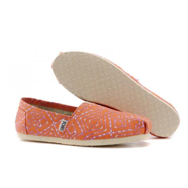 【TOMS】橘紅色幾何條紋平底休閒鞋  Coral Geometric Tie-Dyed Vegan Women's Classics 5