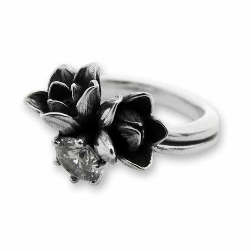 【海外訂購】【KONRON】小公主花朵寶石純銀戒指-白色(KRR0523-Cz-Clear) 0