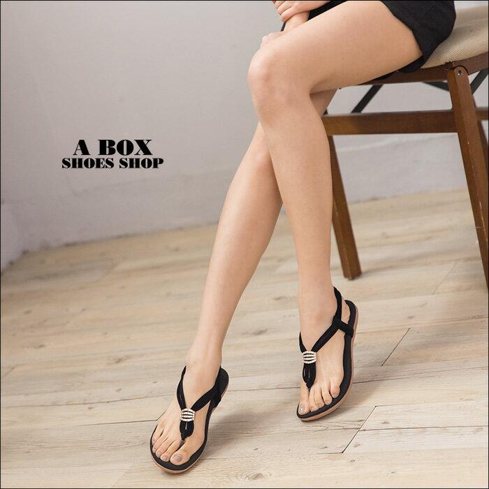 格子舖*【KDF309-45】夏日風情 柔軟乳膠墊 金屬水鑽 鬆緊彈性穿拖 舒適夾腳人字平底涼鞋 3色 1