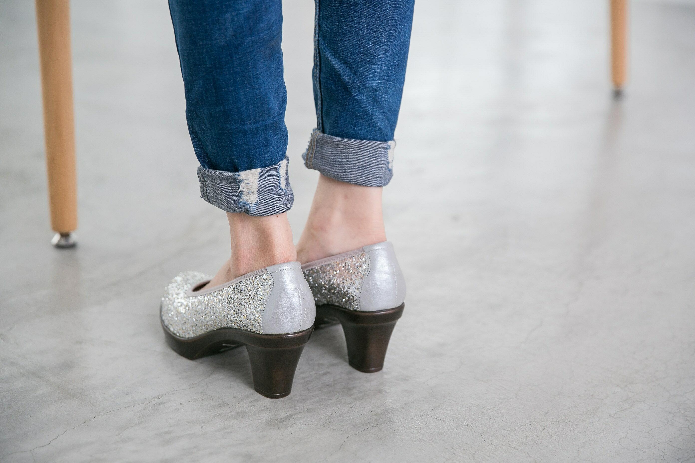 Aimez La Vie 舒適跟鞋 閃閃亮鑽約會Party厚底中跟鞋 3