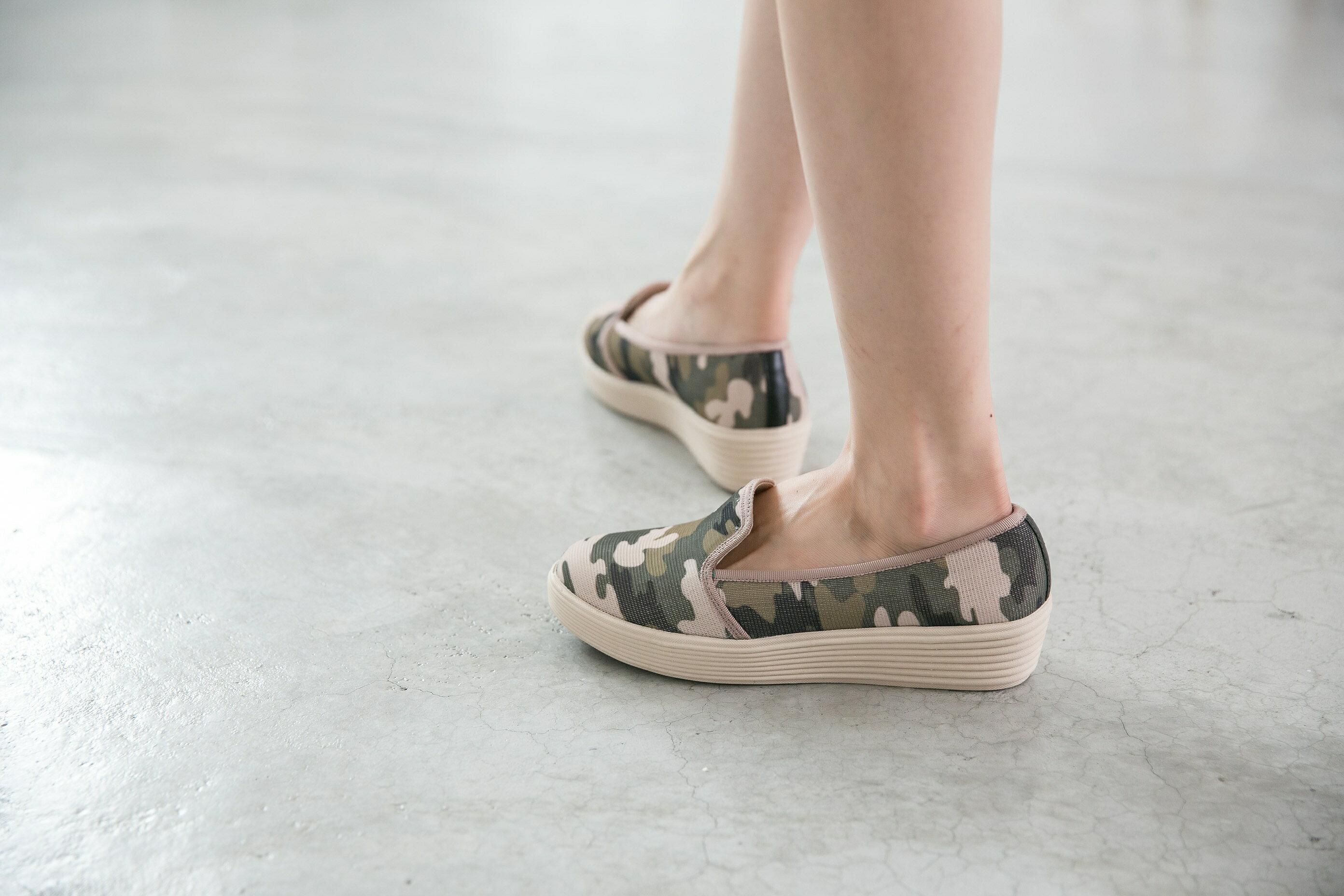 Aimez La Vie 超輕氣墊鞋|韓系迷彩真皮內裡樂福休閒鞋 3