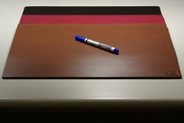 皮革牛皮皮製真皮桌墊皮桌墊大桌墊(咖啡)方邊長40公分*32公分-Mark Honor