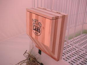 【恰恰】MR-612牧草的家(木製草架) - 限時優惠好康折扣