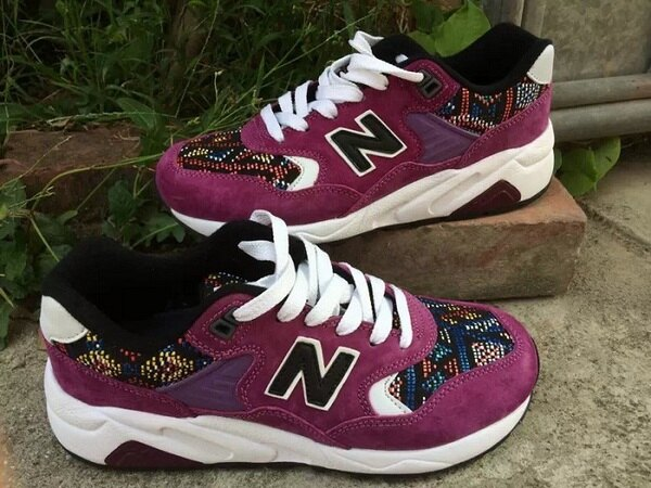 New Balance 新百倫 580 波西米亞風 女生鞋 運動休閒鞋 慢跑鞋(葡萄紅36-39)