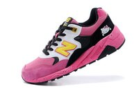 New Balance 美國慢跑鞋/跑步鞋推薦New Balance 580系列 Hello Kitty 女鞋