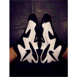 耐克/Nike  螃蟹氣墊 Air Diamond 籃球鞋   情侶運動休閒鞋   慢跑鞋(黑白36-44)