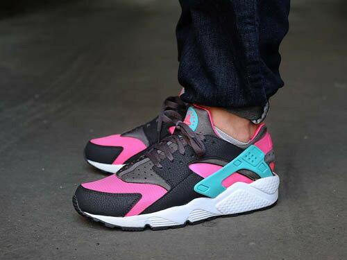 Nike/耐克華萊士Nike Air Huarache 情侶慢跑鞋 運動休閒鞋(黑粉藍36-44)