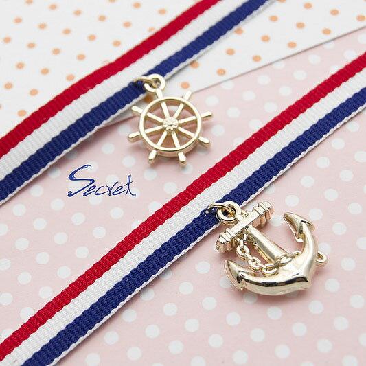 【秘密飾品】「NAVY」海軍風條紋小墜飾手環 (兩款) (現+預)