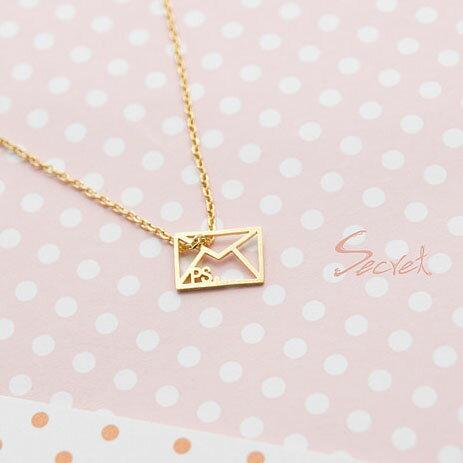 【秘密飾品】「PS我愛你」信封剪影造型項鍊 (現+預)