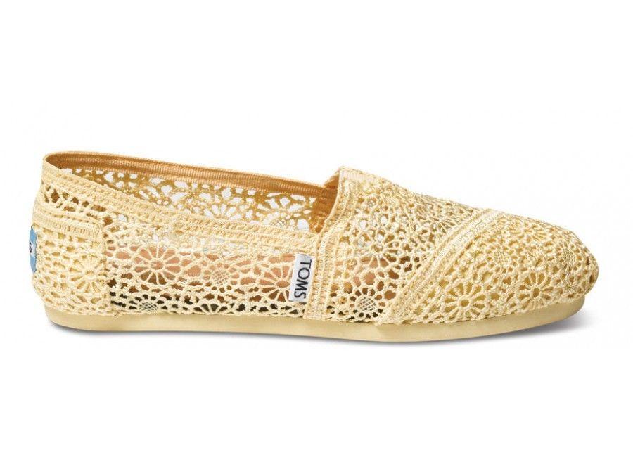 【TOMS】淡黃色蕾絲鏤空繡花平底休閒鞋  Lemon Crochet Women's Classics 2