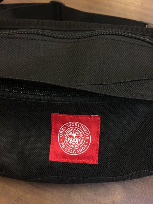 BEETLE PLUS 西門町經銷 全新 美國品牌 OBEY REVOLT RED SLING BAG 紅標 人臉 黑 基本 素面 小包 腰包 斜背包 掛包 100010079BLK OB-385 2