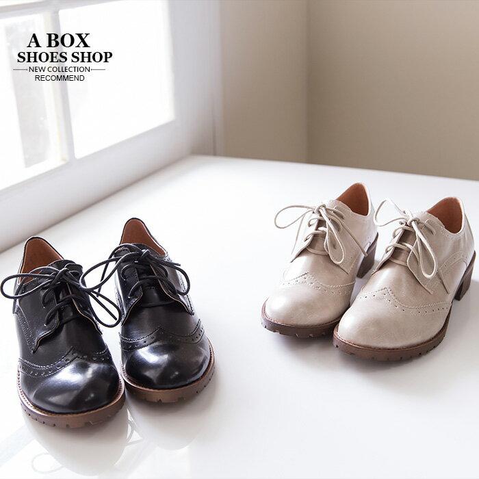 ★399免運★格子舖*【KIT827】MIT台灣製 復古英倫雕花 學院風尖頭綁帶牛津鞋粗低跟短靴裸靴 2色 1
