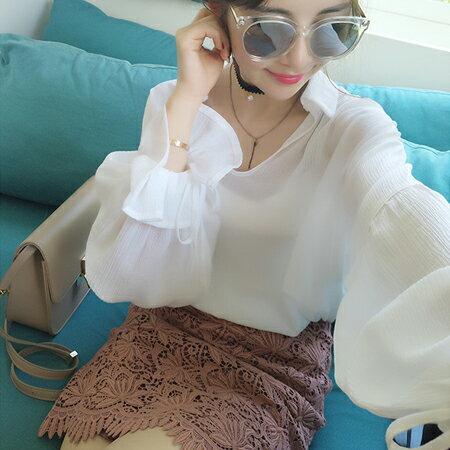 SISI~L6056~透視感翻領純色V領長袖花瓣袖修身雪紡襯衫上衣 ~  好康折扣