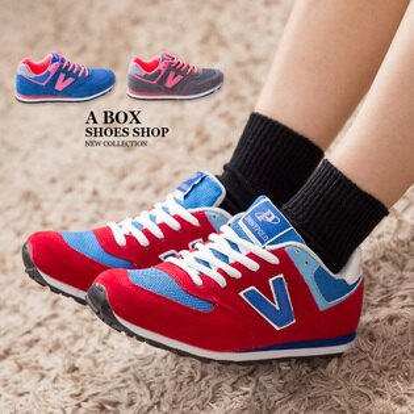 格子舖*【AJ68021】韓國街頭流行 經典熱銷舒適 撞色V字帆布繫帶休閒運動鞋 慢跑鞋 3色