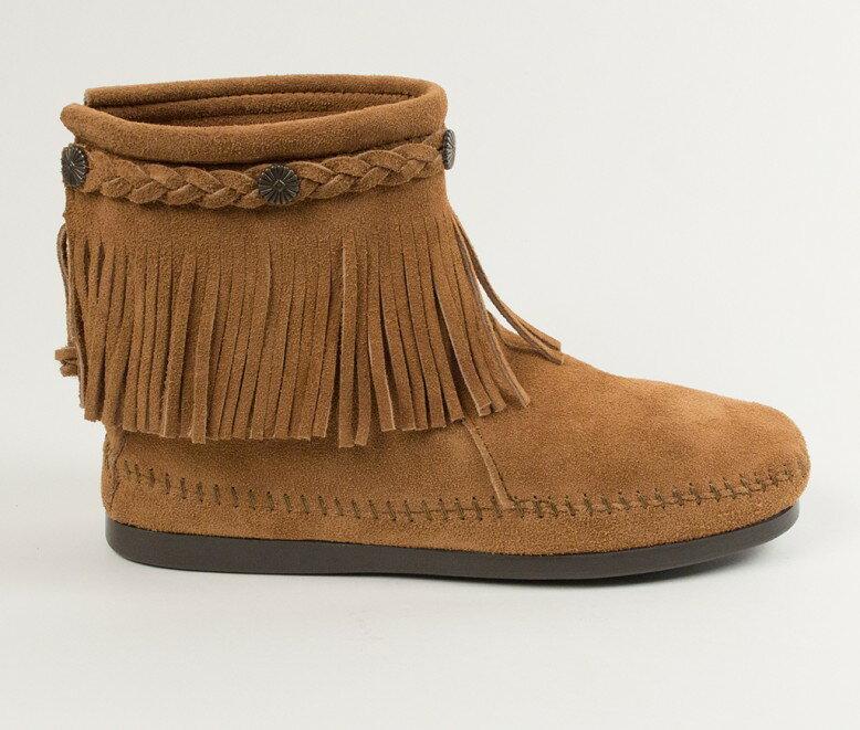 【Minnetonka 莫卡辛】土駝色 - 麂皮後拉鍊流蘇莫卡辛短靴 2