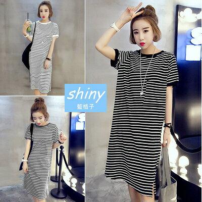 【V1068】shiny藍格子-輕尚恬氛.休閒條紋圓領寬鬆短袖連身裙