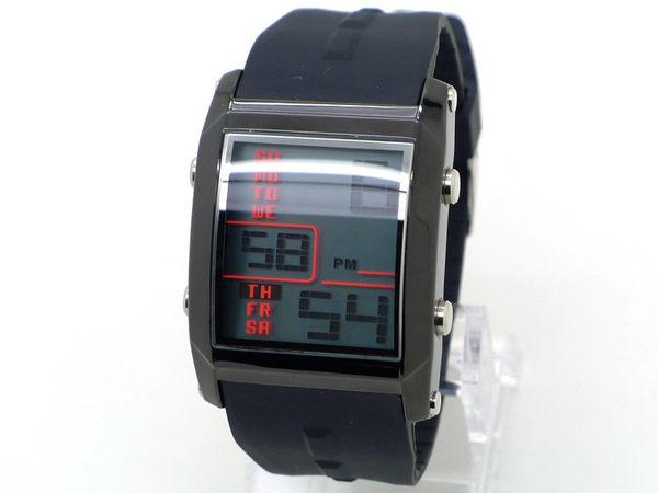 O.T.S 長方形 運動風 大液晶顯示防水多功能電子錶-黑 OTS《好時光》