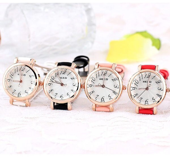 《好時光》香港品牌KEZZI 玫瑰金框 放射狀水波紋面 切割鏡面 簡約數字 氣質花朵細錶帶時尚女錶