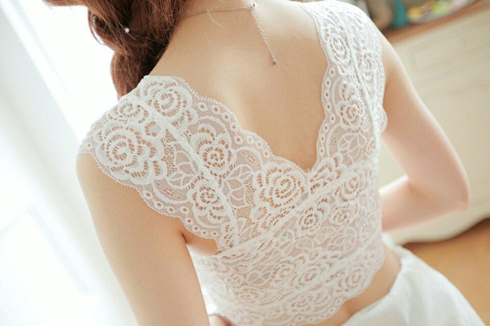 背心 /小可愛 - 全花鏤空蕾絲胸墊短版上衣【25053】藍色巴黎 《 黑 / 白》現貨 2