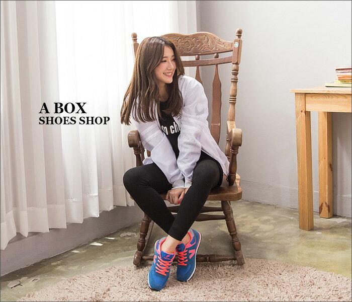 格子舖*【AJ68021】韓國街頭流行 經典熱銷舒適 撞色V字帆布繫帶休閒運動鞋 慢跑鞋 3色 2