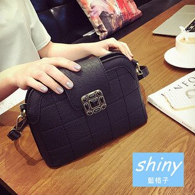 【P110】shiny藍格子-潮流復古.新款時尚格紋貝殼斜挎單肩包