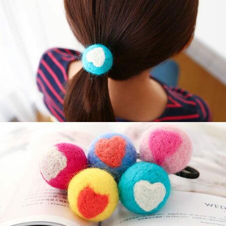 愛心圖案球球 羊毛氈髮圈 純手工 糖果圓型髮飾 髮束 髮繩【N100106】