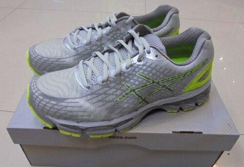 [陽光樂活] ASICS 亞瑟士 男慢跑鞋 GEL-NIMBUS 17 LITE-SHOW T5N0N-0793 銀x黃x黑