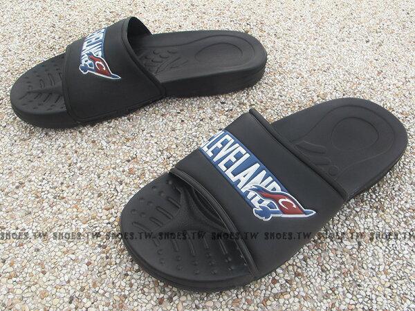 Shoestw【8631101-011】NBA 騎士隊 拖鞋 隊徽LOGO 大字CLEVELAND 黑藍
