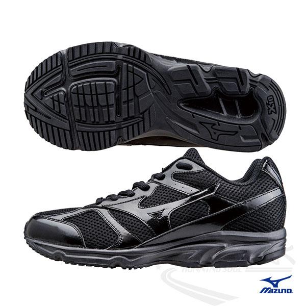 MIZUNO 美津濃 MAXIMIZER 17 男寬楦慢跑鞋(黑)。