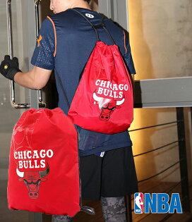 NBA 公牛隊 抽繩後背肩背兩用輕便包 紅 防潑水後背束口袋 Chicago Bulls