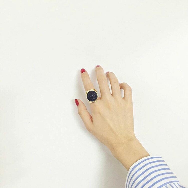 戒指 簡約紋理幾何形氣質戒指【TSJE6375】 BOBI  07/07 2