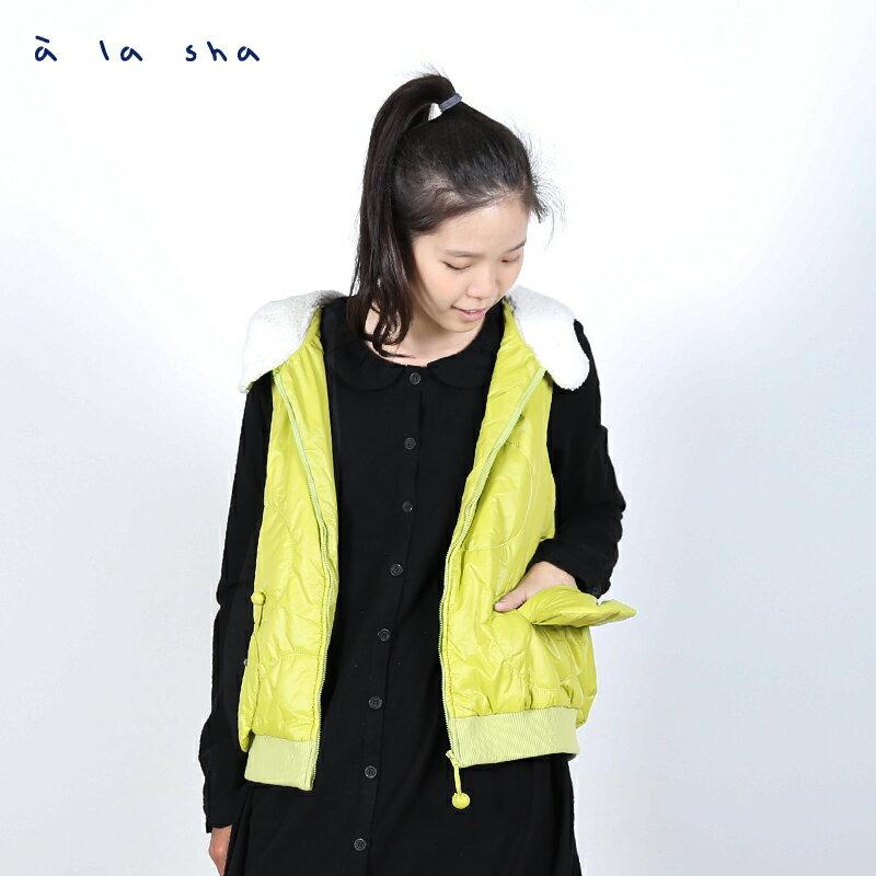 a la sha Qummi 蟲蟲繡花舖棉背心 2