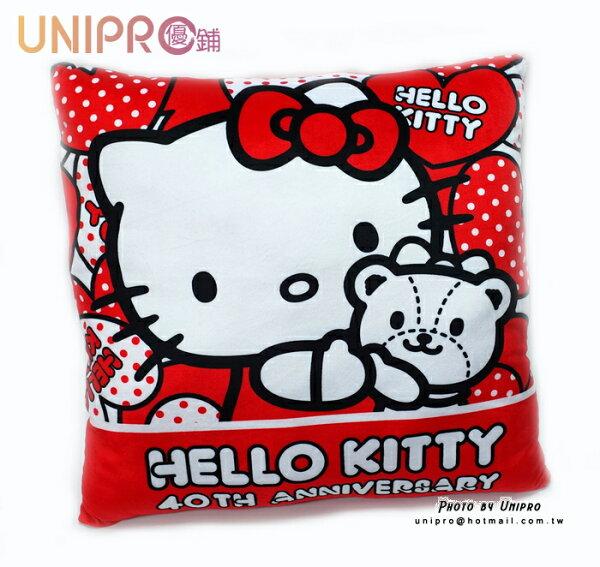 【UNIPRO】Hello Kitty 40周年紀念版 長枕 抱枕 暖手枕 靠枕 大方枕 凱蒂貓 三麗鷗 正版授權